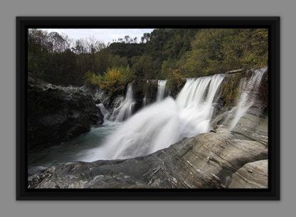 Une cascade, photo dans caisse américaine
