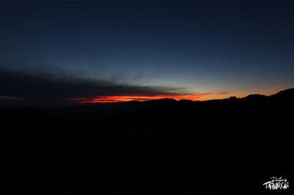 Nuit soleil couchant rougeoyant
