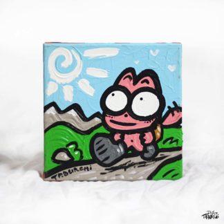 Chat Rose qui randonne en montagne
